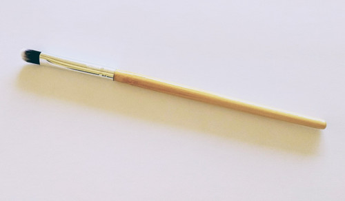 firm eyeshadow brush