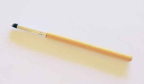 firm crease brush
