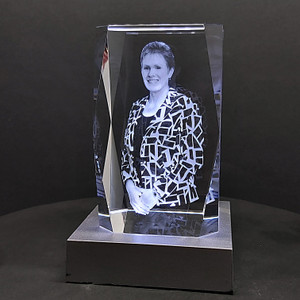 Bevelled edge award or memorial crystal