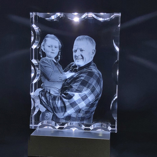 2D Photo Frame with Scalloped Edge