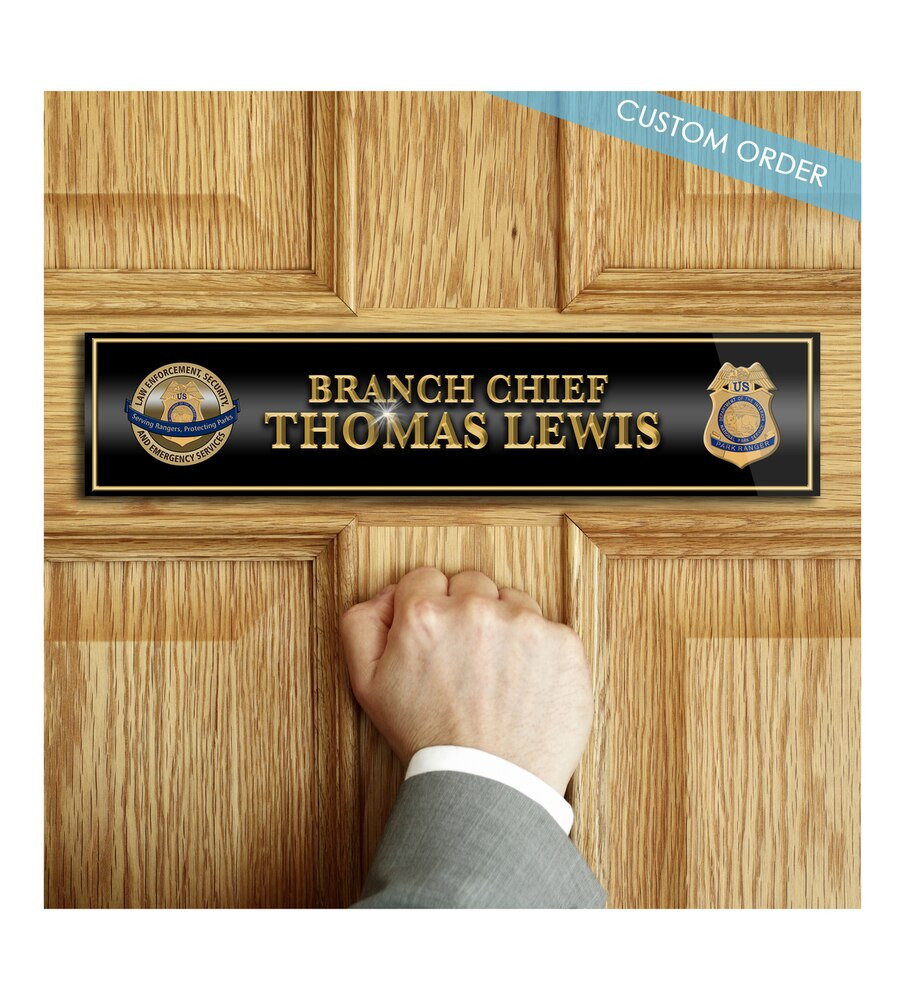 CUSTOM DOOR NAME PLATE