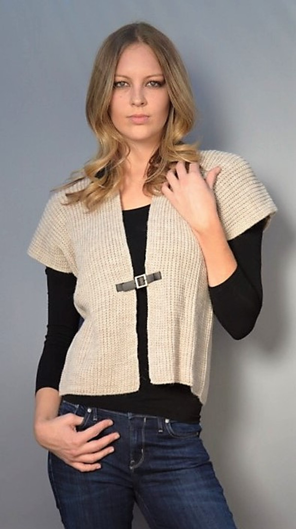 Gilet Sweater with Center Buckle (Available in 2 Colors)
