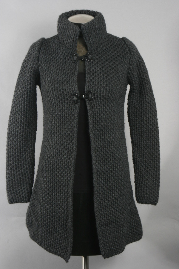 Clasp Hook Enclosure Sweater (Available in 2 Colors)
