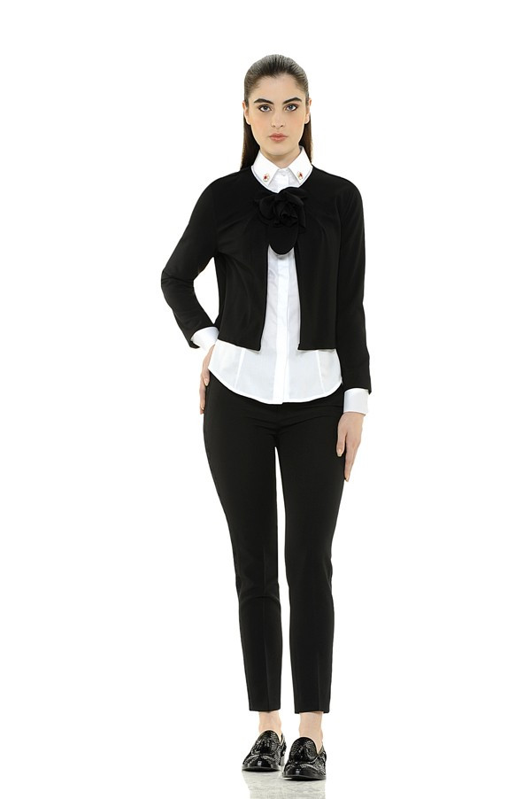 Cropped Sweater with Bow
