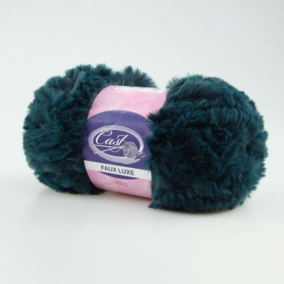 Cast On Faux Fur Knitting Yarn 100 gram Navy Blue - 10 pack | Prices Plus