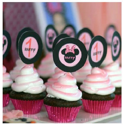 Minnie Mouse Outfit First Birthday-Minnie mouse cupcakes