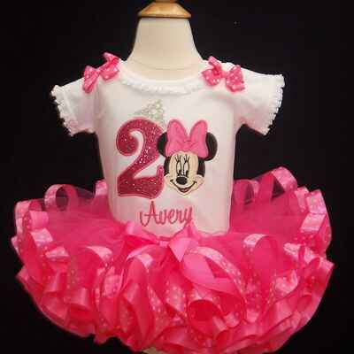 Minnie Mouse birthday outfit, 2nd birthday  girl outfit in pink. Adorable Minnie