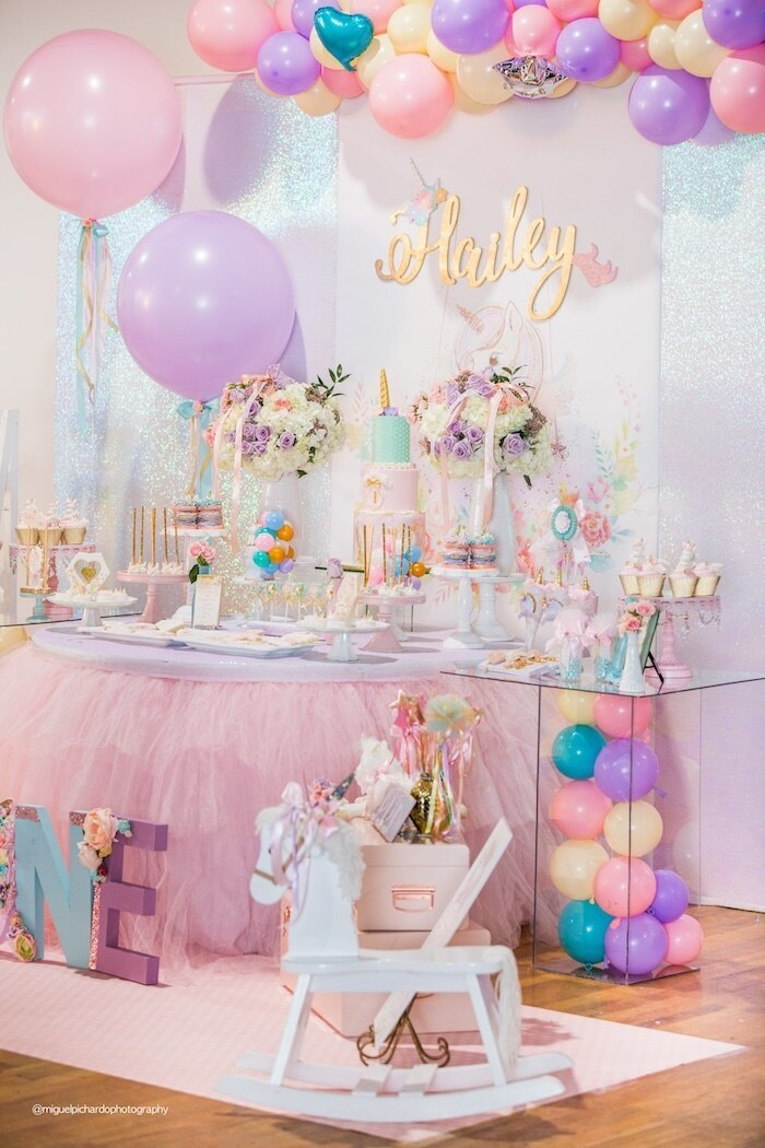 Decorations for a 1st birthday party unicorn