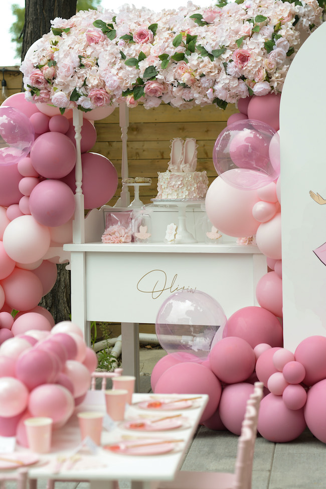Ballerina birthday party decoration in light pink and gold