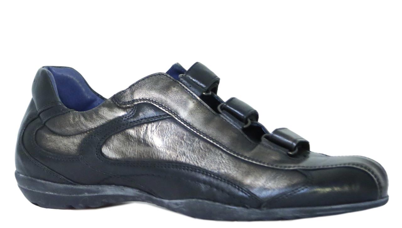Men's Shoes & Sneakers.