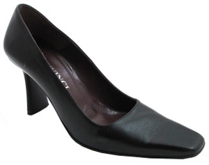 Davinci 3116 Women's Italian Round Toe Mid Heel Pump in Black