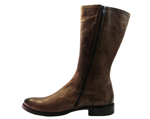 Doucals  7487 Brown