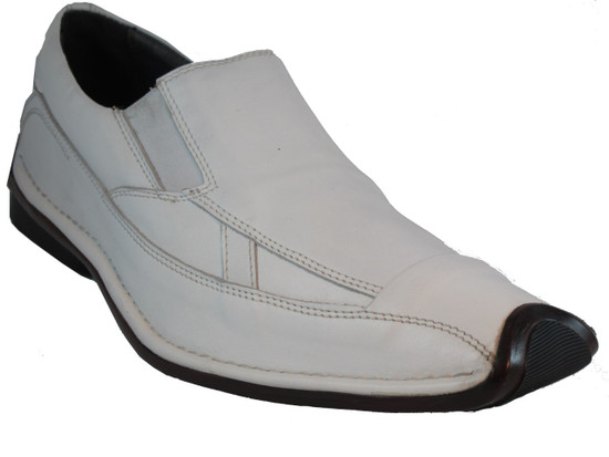 Men's slip on white Casual shoes by Bacco bucci style Nicolas