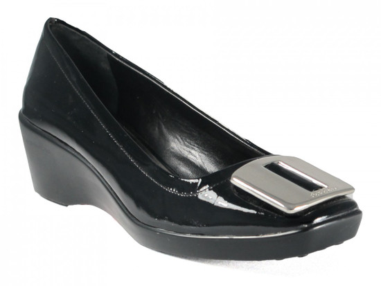 BCBG Women's Tina Wedge Heels in Black