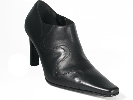 Via Spiga Women's Vassel Black