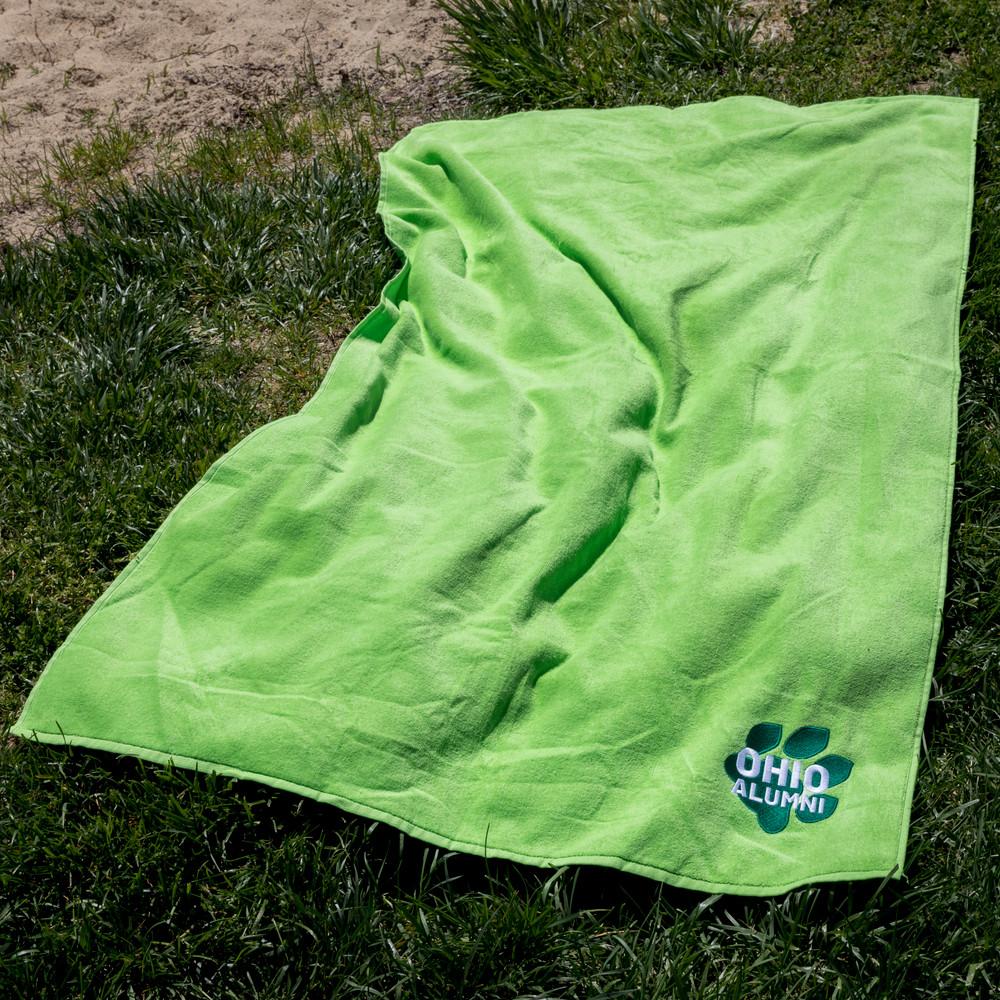 PAW PRINT OHIO ALUMNI BEACH TOWEL