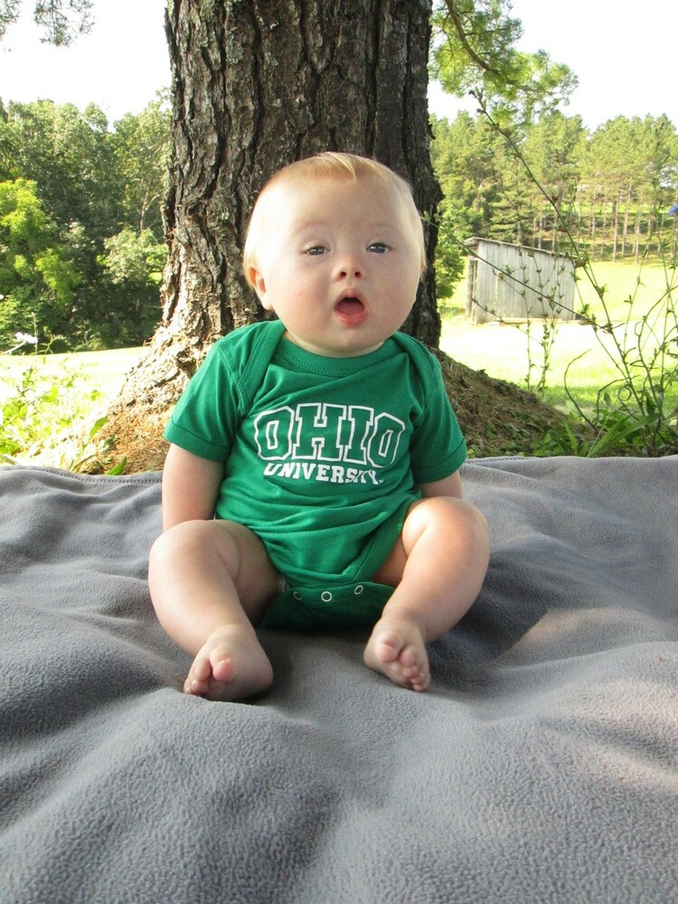 INFANT ARCHED OHIO UNIVERSITY STACKED LOGO BODYSUIT