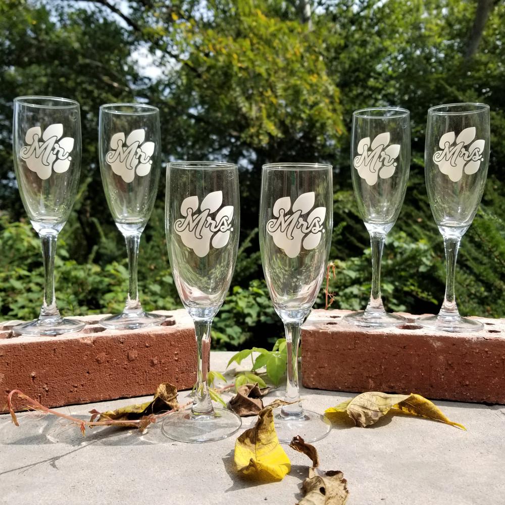 MRS. PAW CHAMPAGNE GLASS - 5.75 OZ