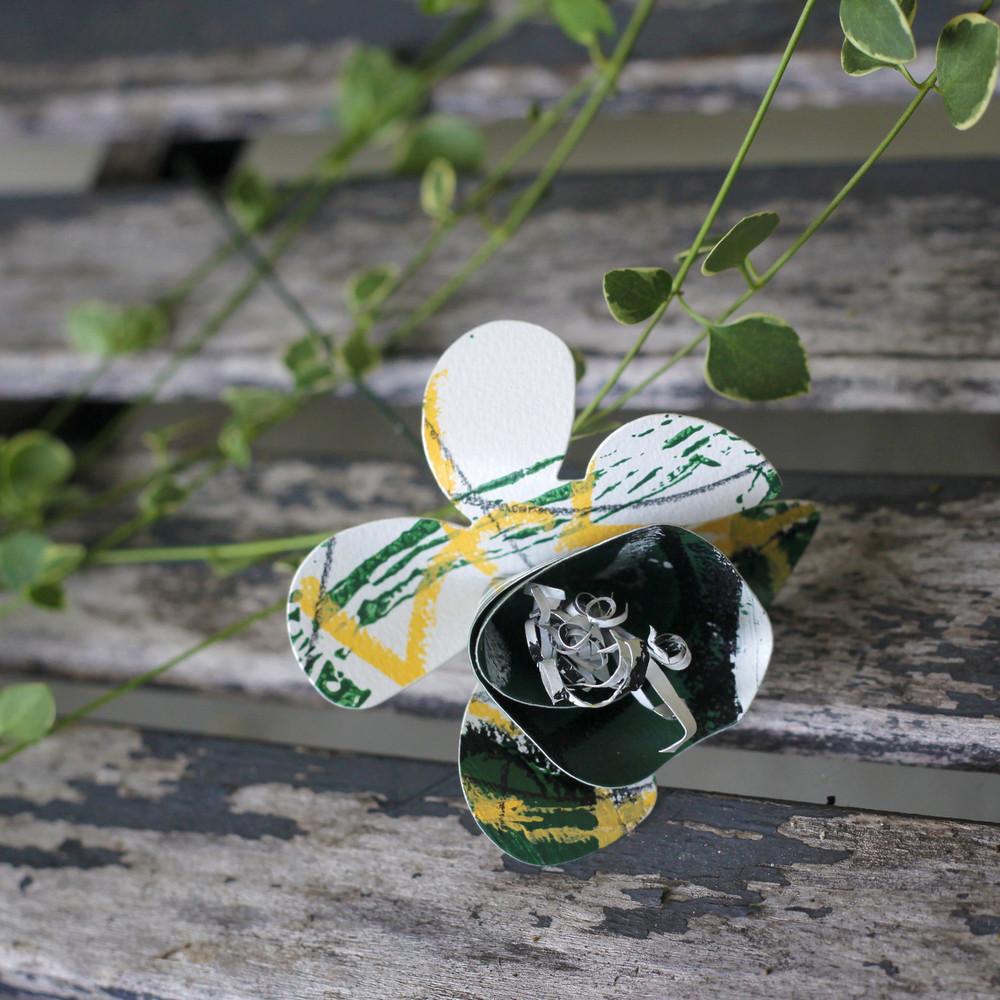 GREEN AND WHITE BOBCAT PAPER FLOWER