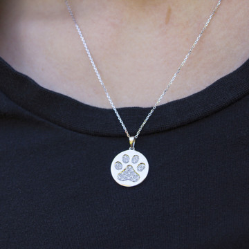 PAW DISC 1/10 CT TW NECKLACE
