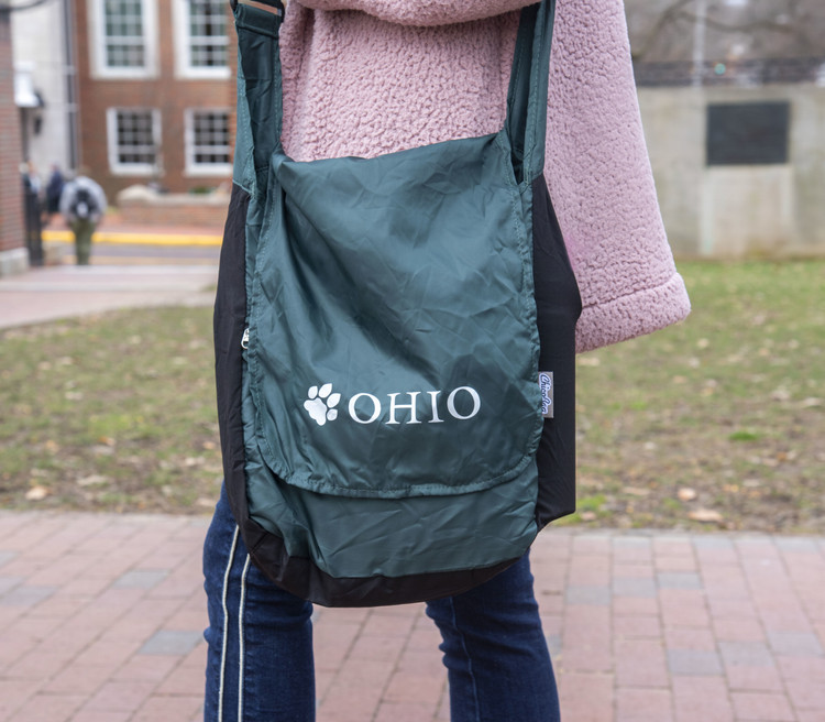 OHIO PAW REPETE MESSENGER BAG