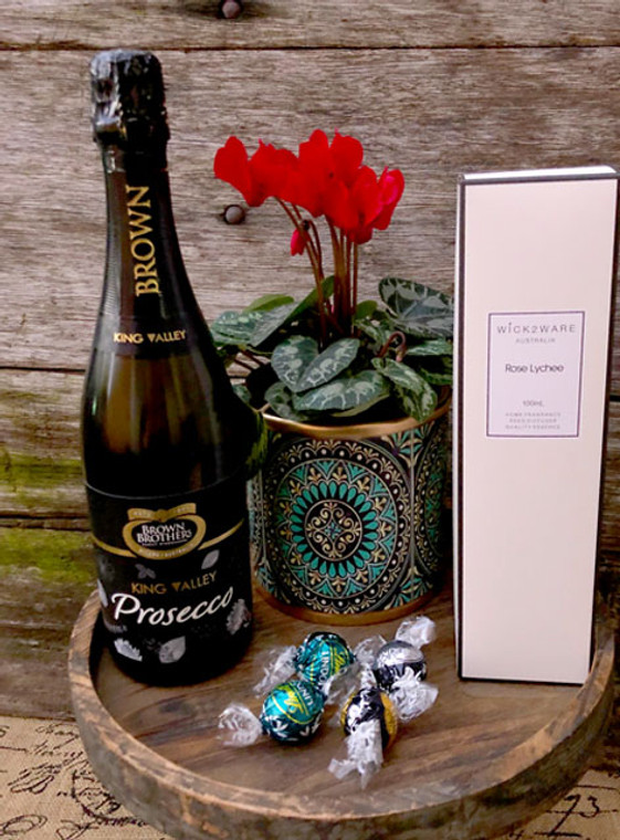 Cheers  Gift Set & Bubbles