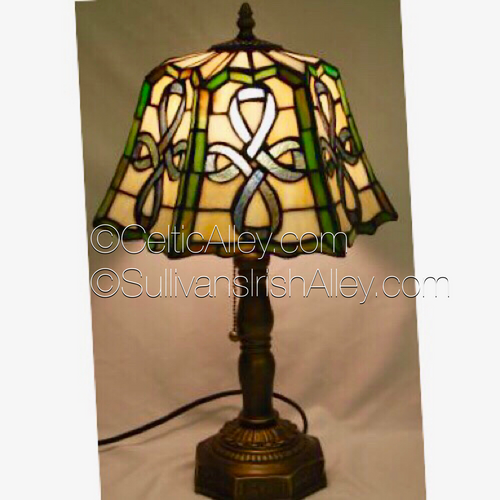 """Celtic Top Pleated Stained Glass Lamp 20"""" BOE80"""