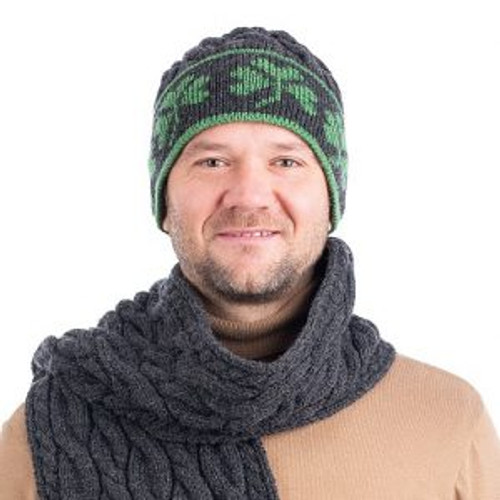 Cable Knit Shamrock Merino Wool Hat In Charcoal