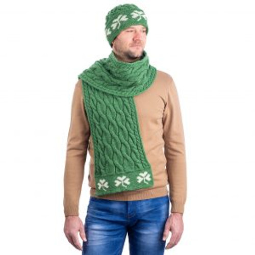 Cable Knit Shamrock Scarf In Green