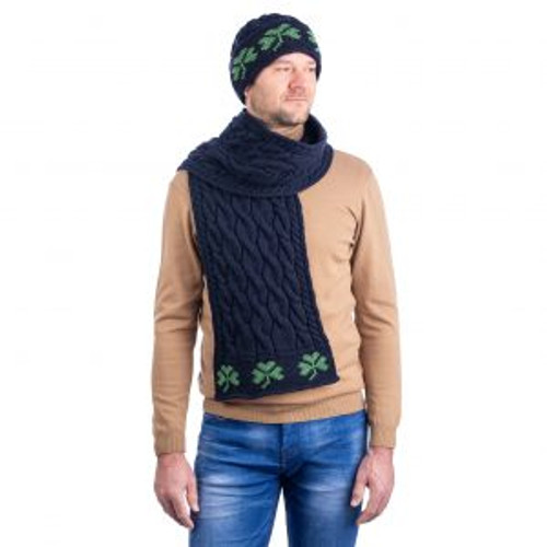 Cable Knit Shamrock Scarf In Navy