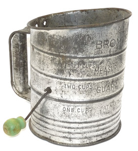 Vintage Shabby Bromwell's 3 Cup Mechanical Flour Sifter Green Crank Knob