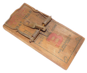 Vintage McGill Metal Products Can't Miss 4 Way Rat Trap Wooden Mouse Trap