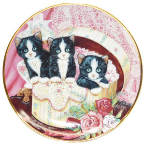 Vintage Franklin Mint K. Duncan Hide and Seek Kitty Cat Limited Edition Collector Plate