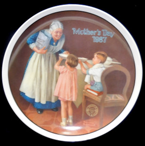 1987 Vintage Norman Rockwell Grandma's Surprise Knowles Limited Edition Collector Plate