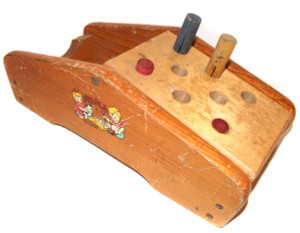 Vintage Noma Toy Wooden Cobbler's Bench With Flip Top & Pegs