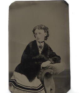 Antique 1/6 Plate Tintype Photo Pretty Young Woman w/ Tinted Cheeks & Fancy Hair