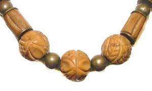 Carved Marbled Plastic & Metal Bead Necklace