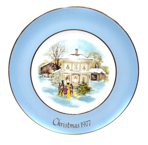 Vintage Christmas 1977 Avon Carolers in the Snow Collector Plate & Box Wedgewood