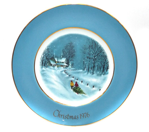 Vintage Christmas 1976 Avon Bringing Home the Tree Collector Plate & Box Wedgewood