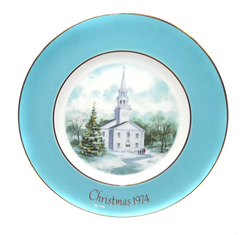 Vintage 1974 Avon Christmas Country Church Collector Plate Wedgewood