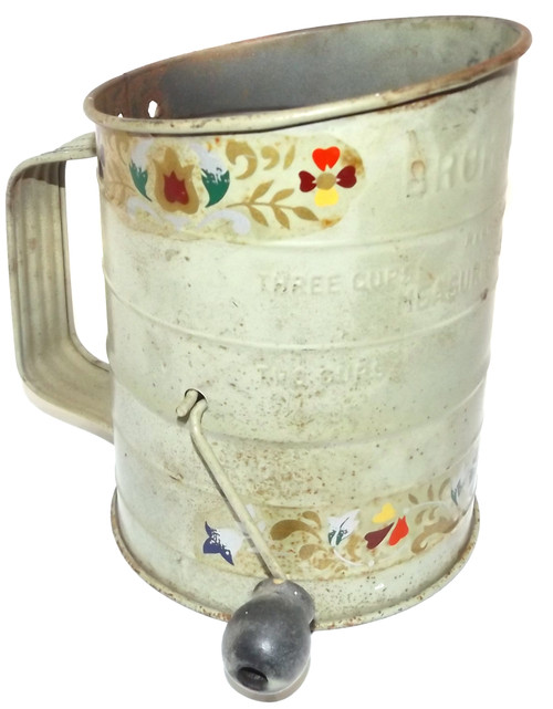 Vintage Bromwell's 3 Cup Mechanical Flour Sifter with Amish Style Floral Graphics