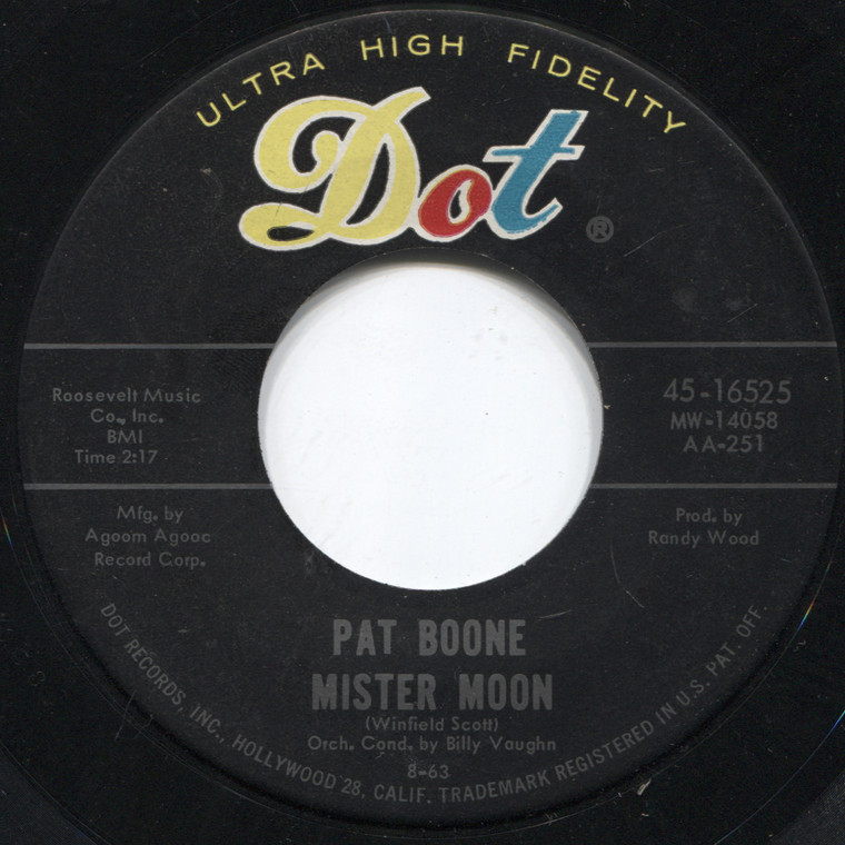 Pat Boone: Mister Moon / Love Me - 45 rpm Vinyl Record