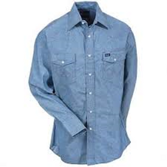 """Long sleeve solid •Spread collar •Wrangler® logo ribbon label on left pocket •Pencil slot on left pocket •Wrangler® """"W"""" decorative logo stitch on pockets •Serged tails •100% cotton, yarn dyed 5 oz. chambray"""