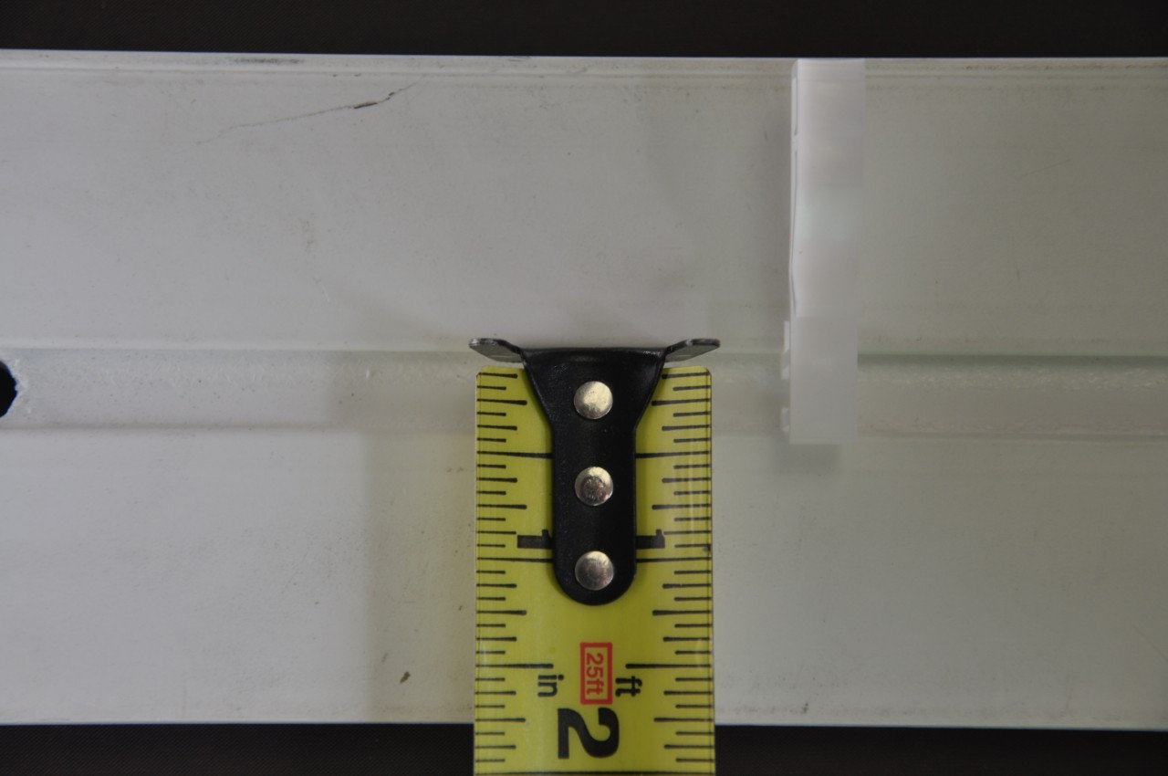 """Valance Clip Slotted Groove - Plastic with 3/8"""" View of Slot"""