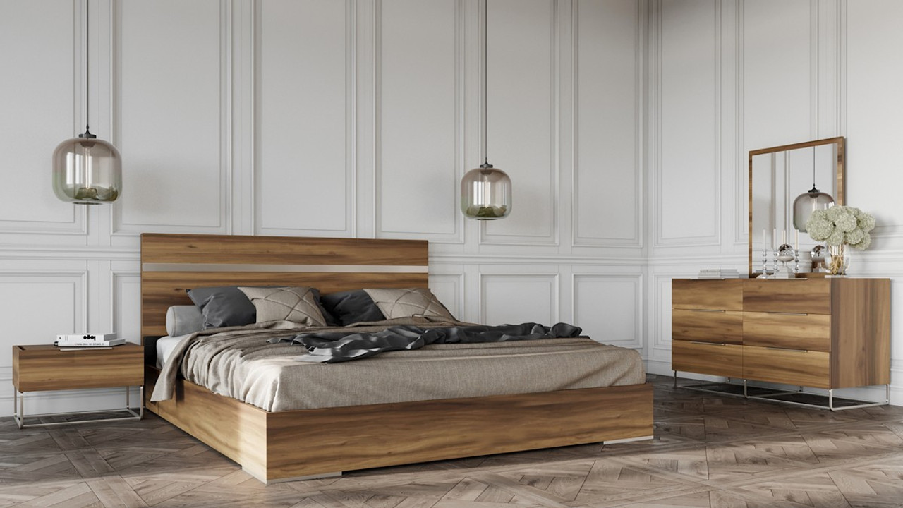 Nova Domus Lorenzo Italian Modern Light Oak King Size Bedroom Set