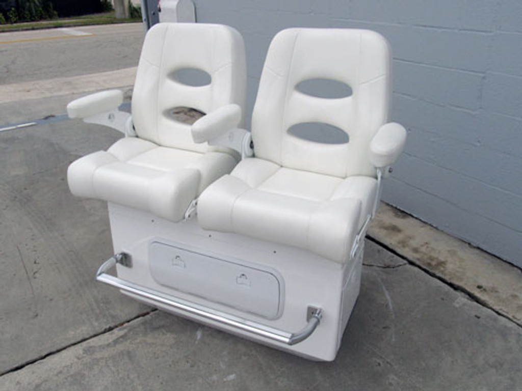 """40"""" Bait Master featuring Deluxe Helm Chairs"""