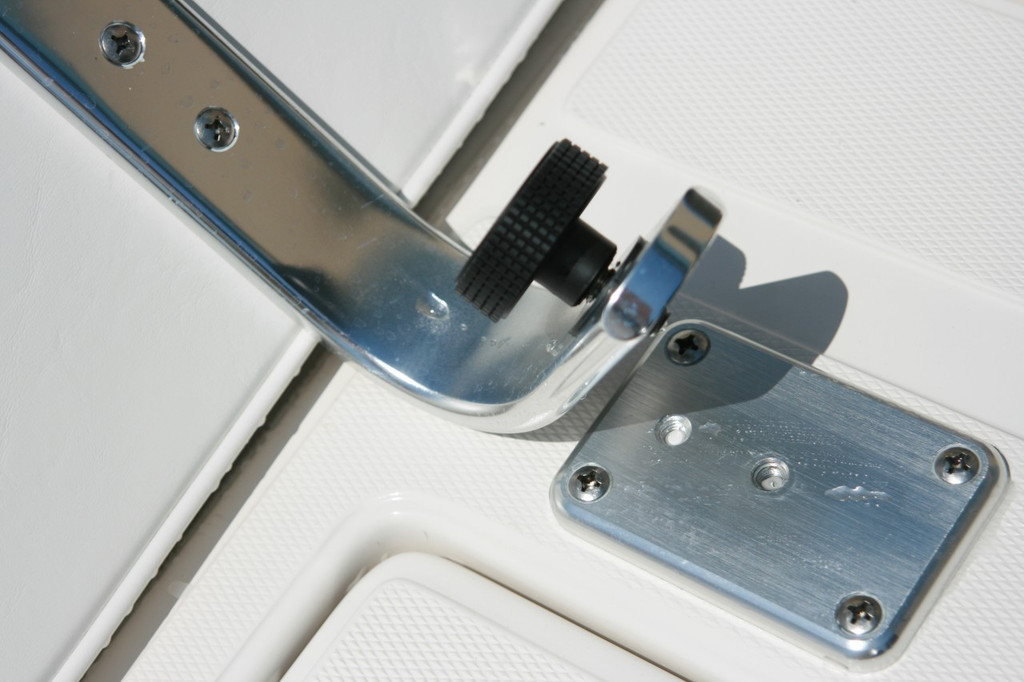 Back Rest arms are easily installed with threaded knob