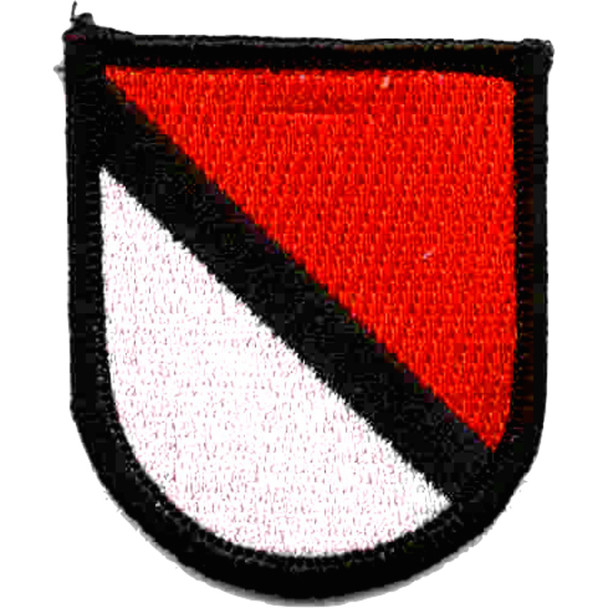 1st Cavalry Volunteers Non Airborne Red & White Beret Flash Patch