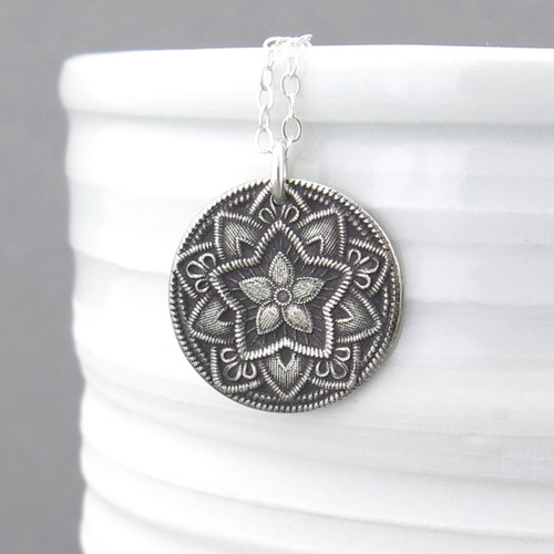Five Point Flower Necklace