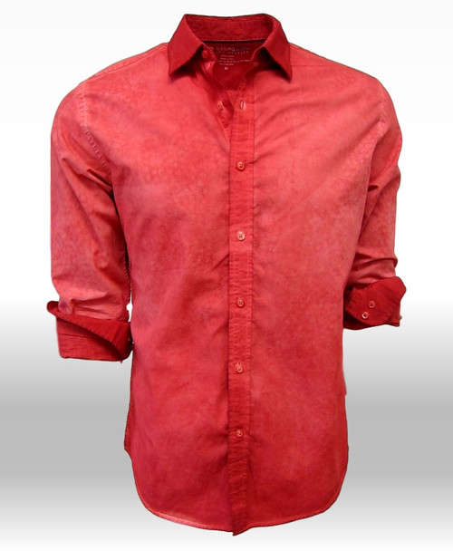 Our special garment-dyed process makes this truly special and unique. A stunning brick red that wears day into evening. We treat the collar with a double process creating a darker shade, so there is distinction and dimension.  Looks great open with a Georg Roth Garment dye TEE! 100% Cotton